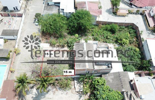Terreno en Venta Portoviejo 228 m2 Sector Tennis Club